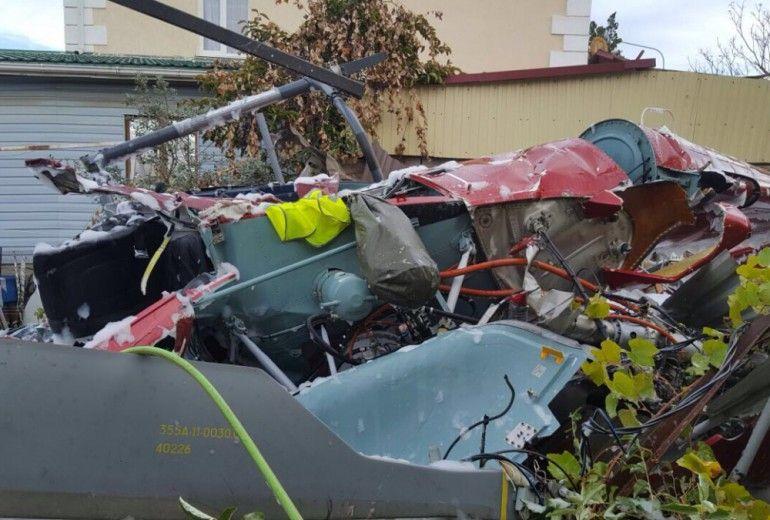 В России вертолет упал на крышу дома