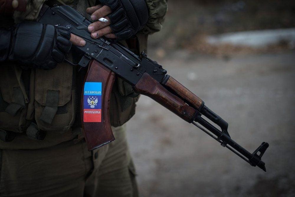 На Донбассе в результате взрыва гранаты пострадали боевики