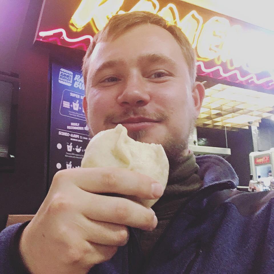 Богданов планировал начать кулинарный бизнес.