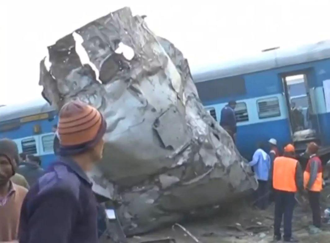 Крупная железнодорожная катастрофа в Индии