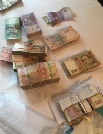 Деньги, найденные у дельцов