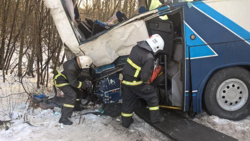 В России рейсовый автобус столкнулся с грузовиком