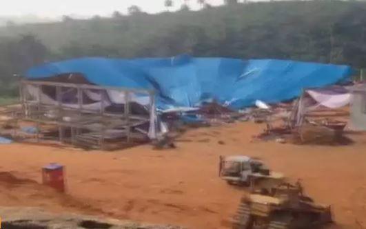 В нигерийском городе Уйо на прихожан обрушилась крыша