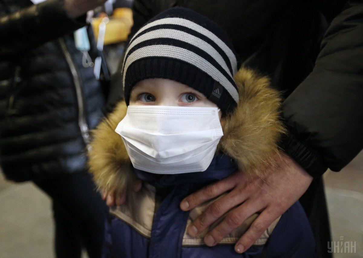 У маленьких детей первая встреча с вирусом часто заканчивается пневмонией
