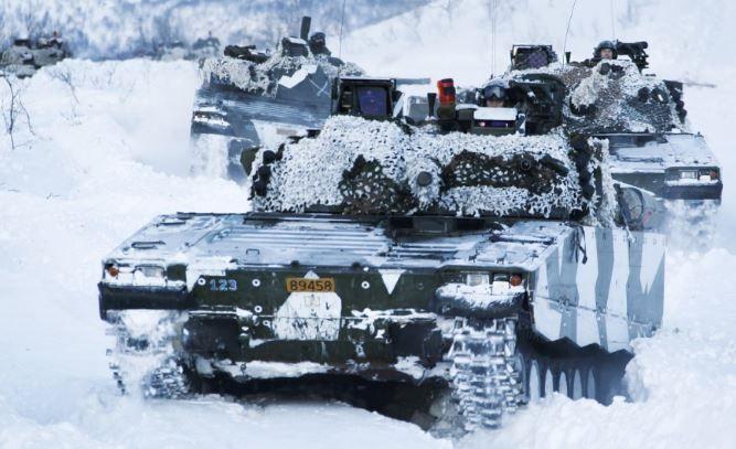 Норвежские танки на Шпицбергене — вне закона