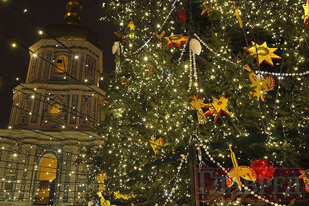 Главная елка страны на Софийской площади