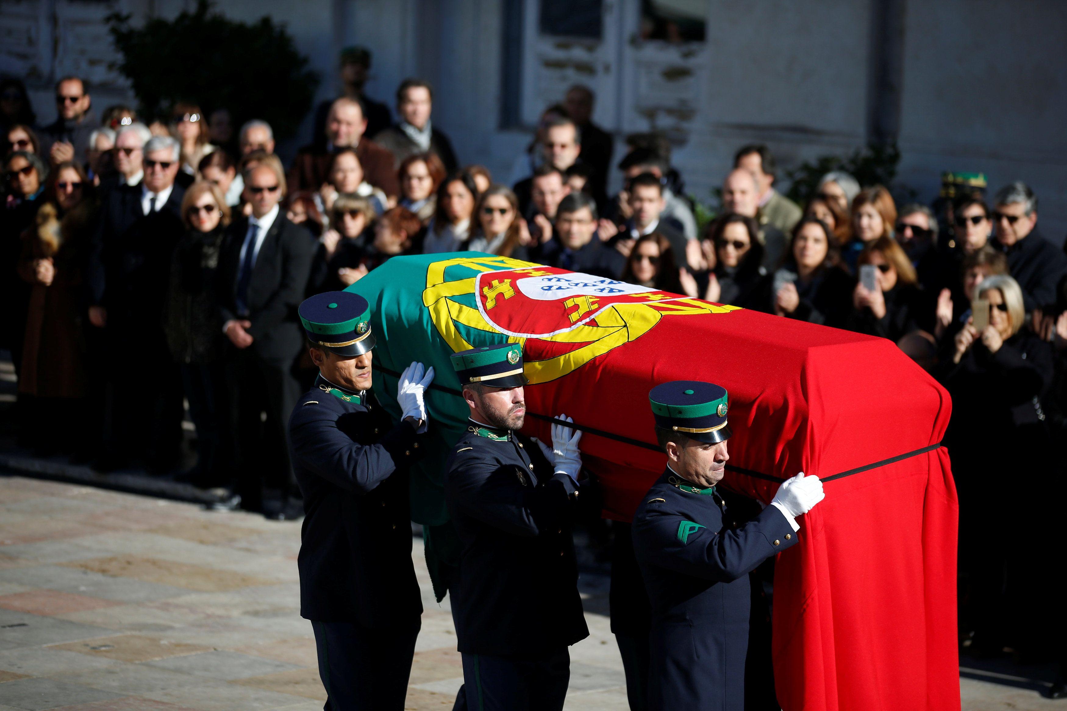 Похороны Мариу Суареша