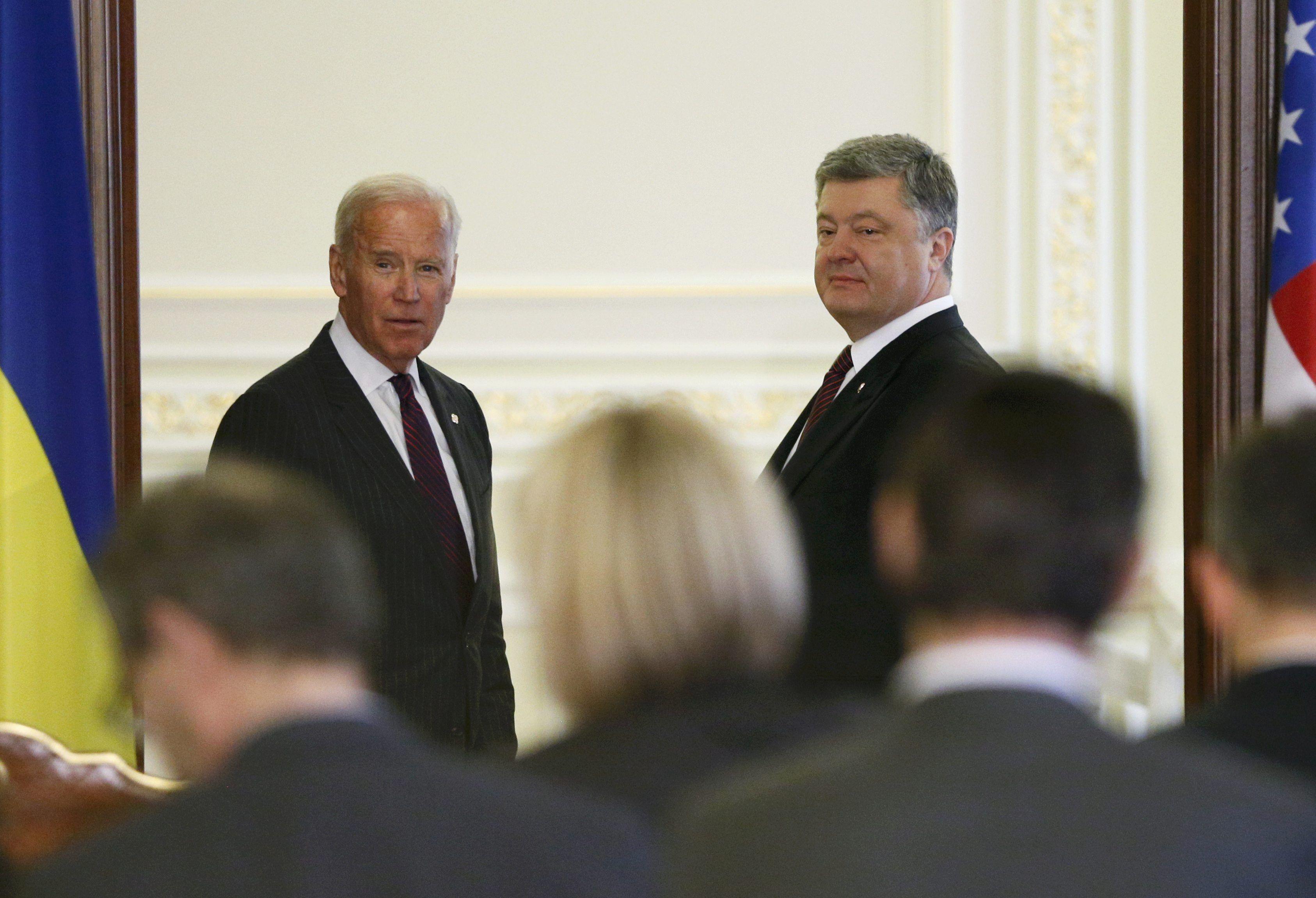 Джозеф Байден и Петр Порошенко
