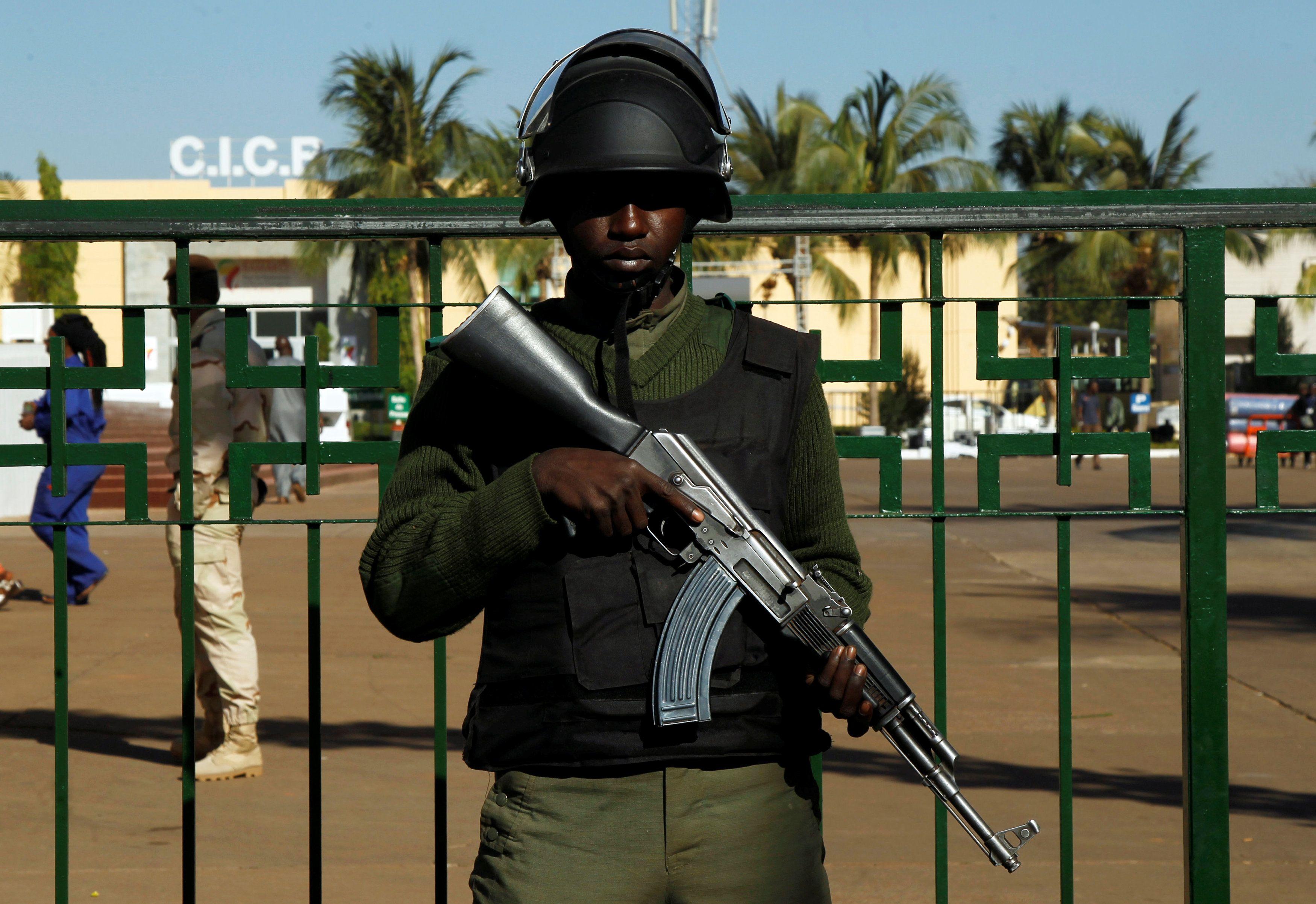 Малийский солдат, иллюстрация