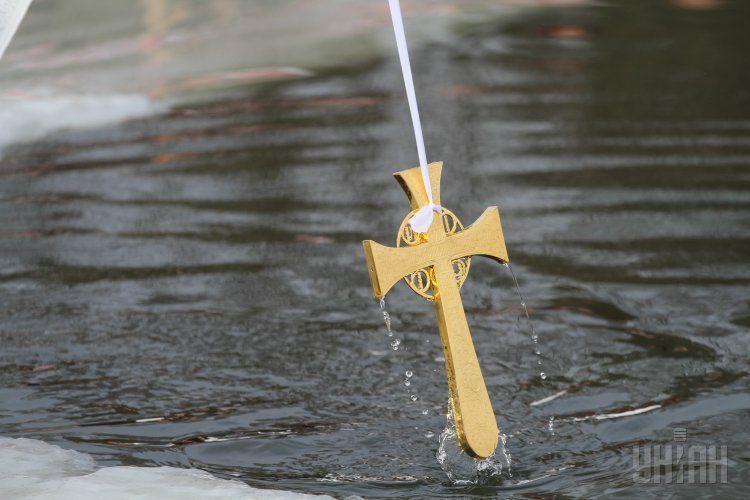 В Украине известные люди раскрыли, как отпраздновали Крещение