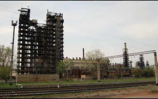 Фенольный завод в Новгородском.