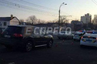 В Киеве джип сбил трех школьниц