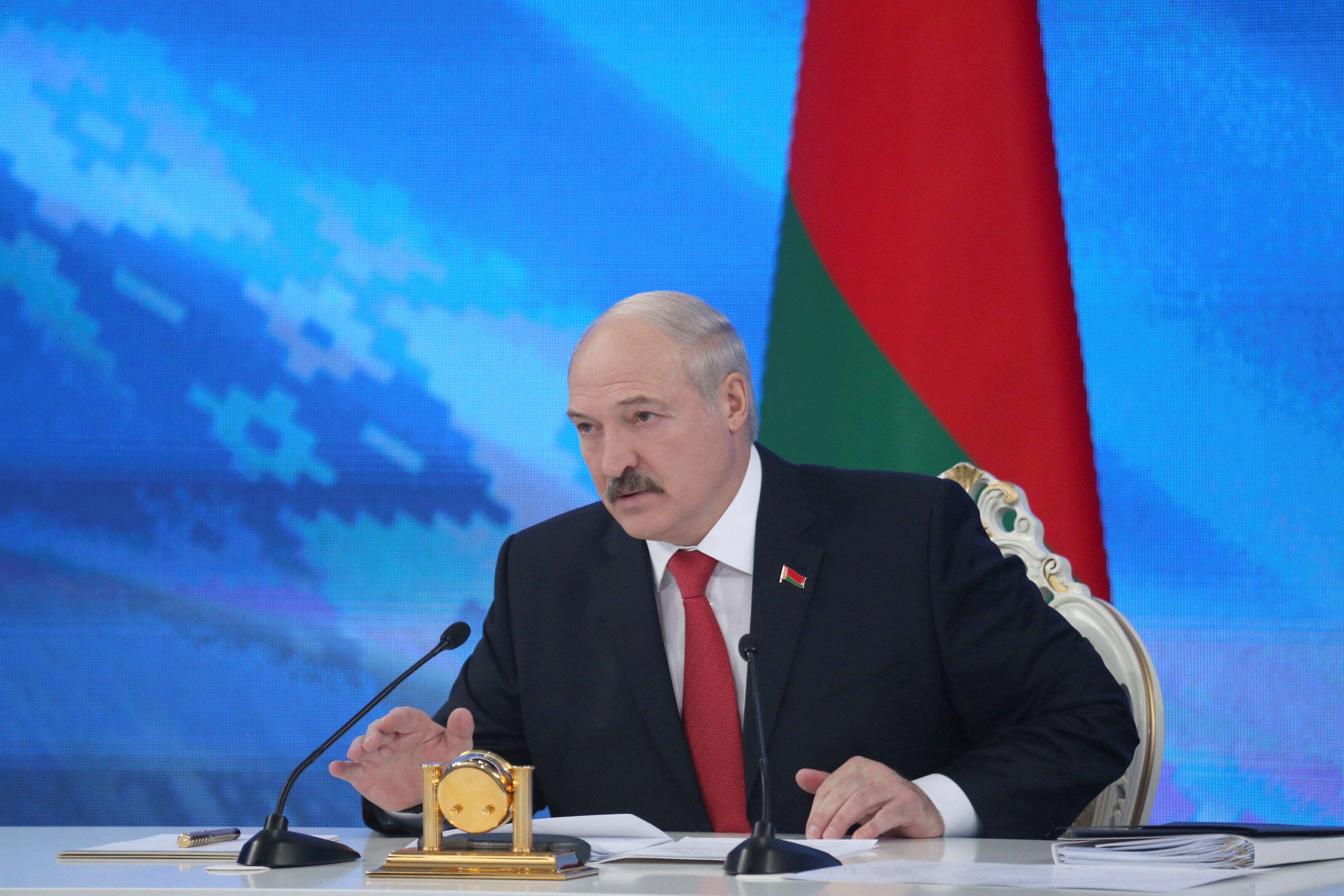 Александр Лукашенко поздравил Владимира Зеленского с избранием на пост президента на выборах в Украине 2019