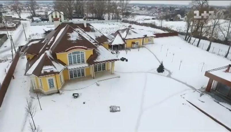 Дом Фоменко в коттеджном городке с. Хотяновка.