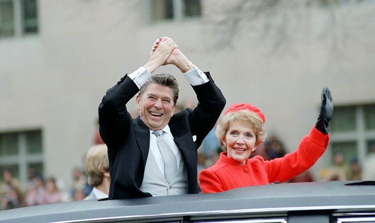 Рональд Рейган и супруга Нэнси после инаугурации