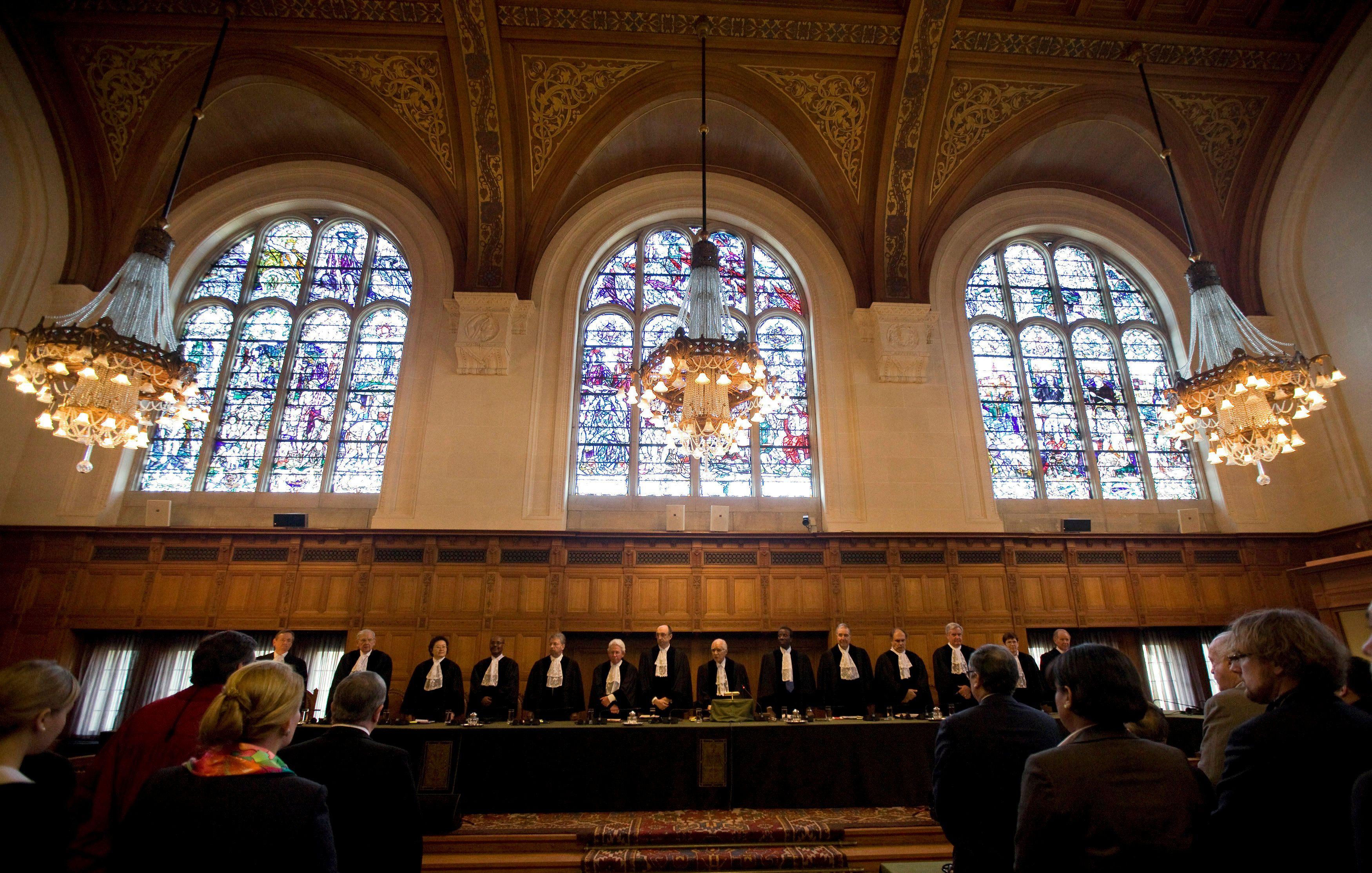 Гаагский трибунал, иллюстрация.