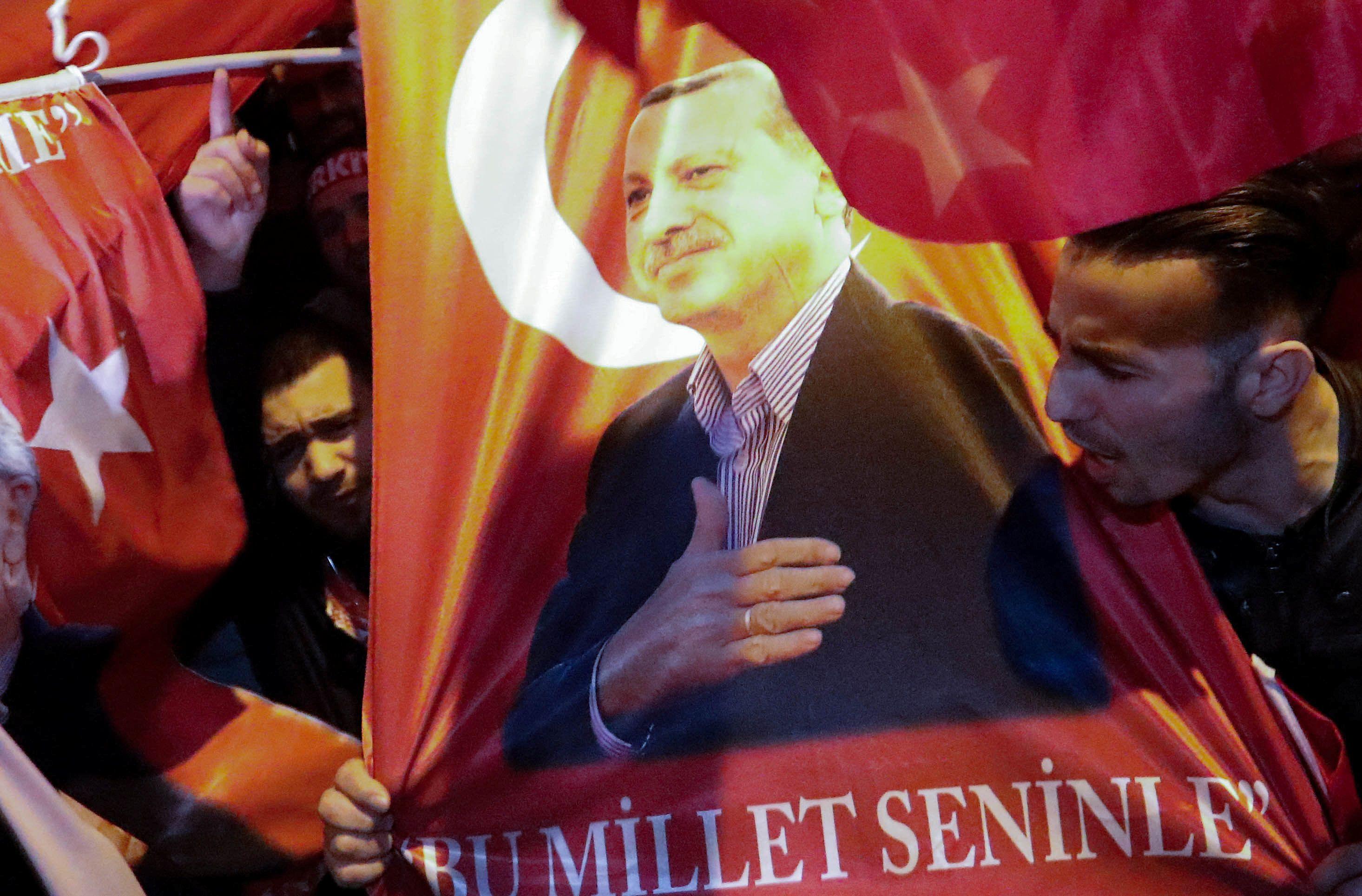 Акция протеста турок в Нидерландах