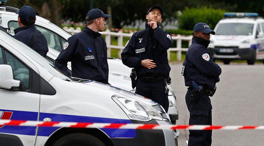 Французские правоохранители, иллюстрация