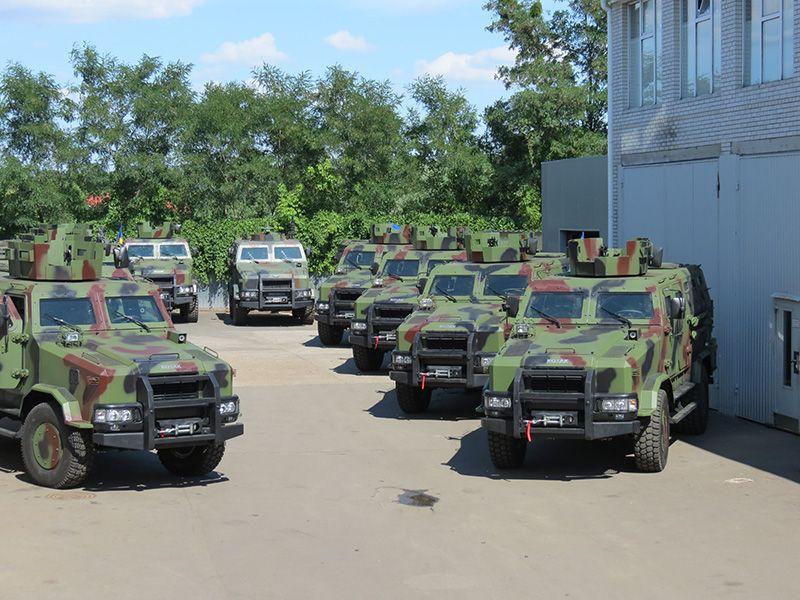 ВСУ приняли на вооружение новый украинский броневик