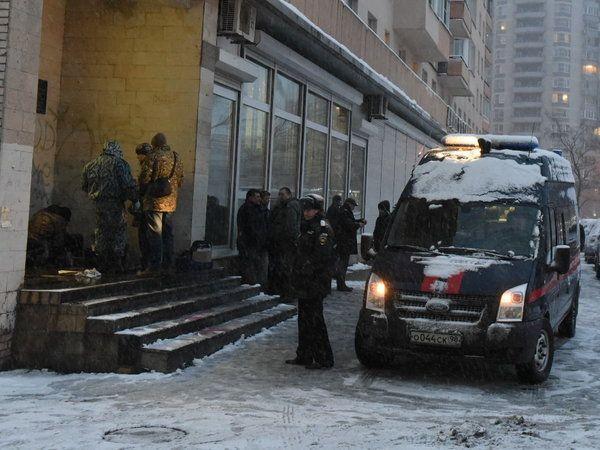 Взрыв возле библиотеки в Питере.