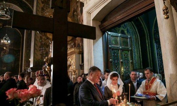Петр Порошенко посетил Владимирский собор.