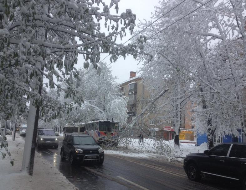 Апрельский снег в Днепре, иллюстрация