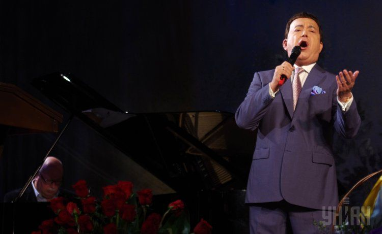Иосиф Кобзон во время концерта