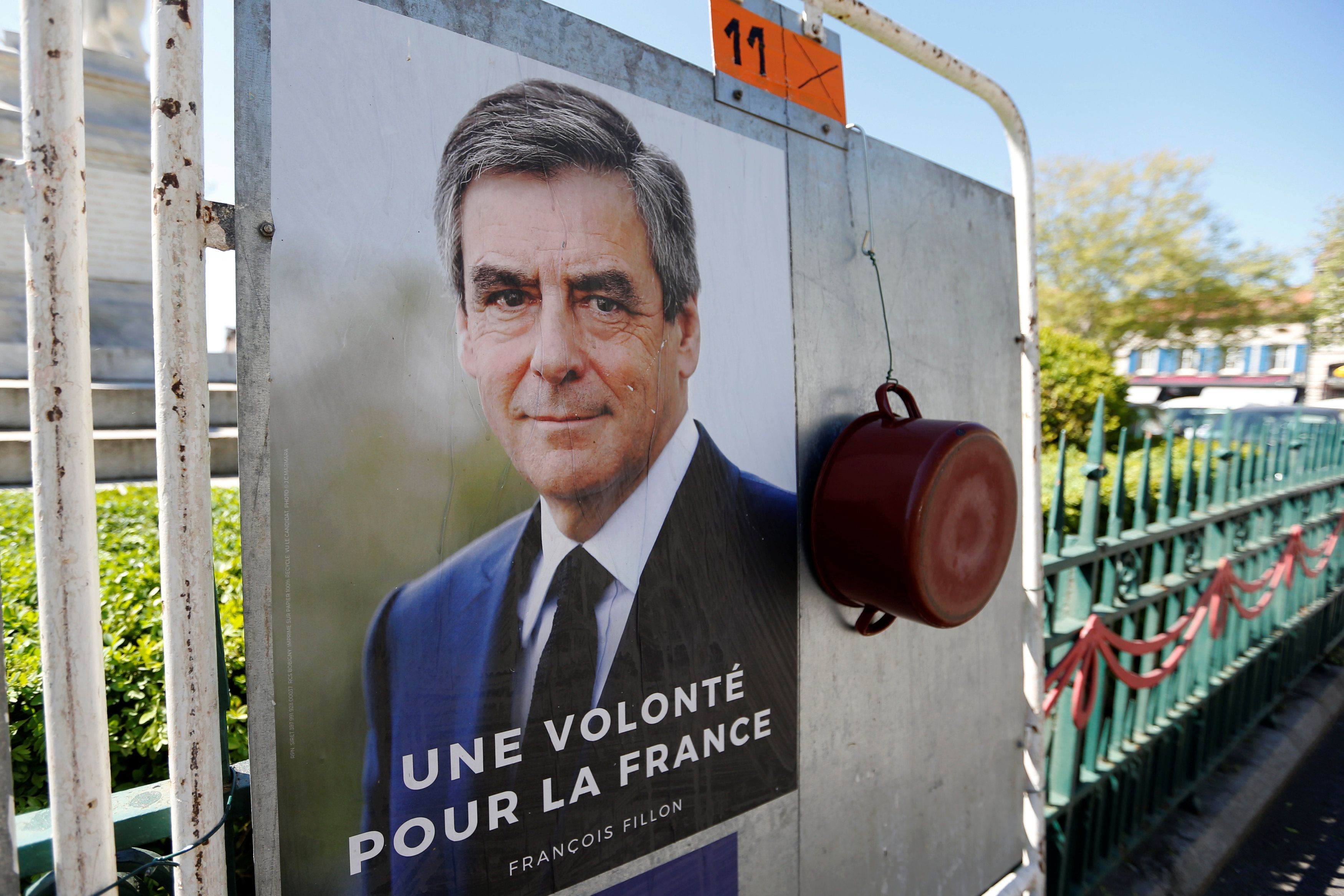 Франсуа Фійон і каструля