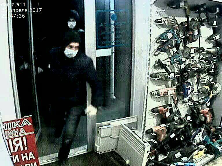 В Киеве бандиты ограбили комиссионный магазин