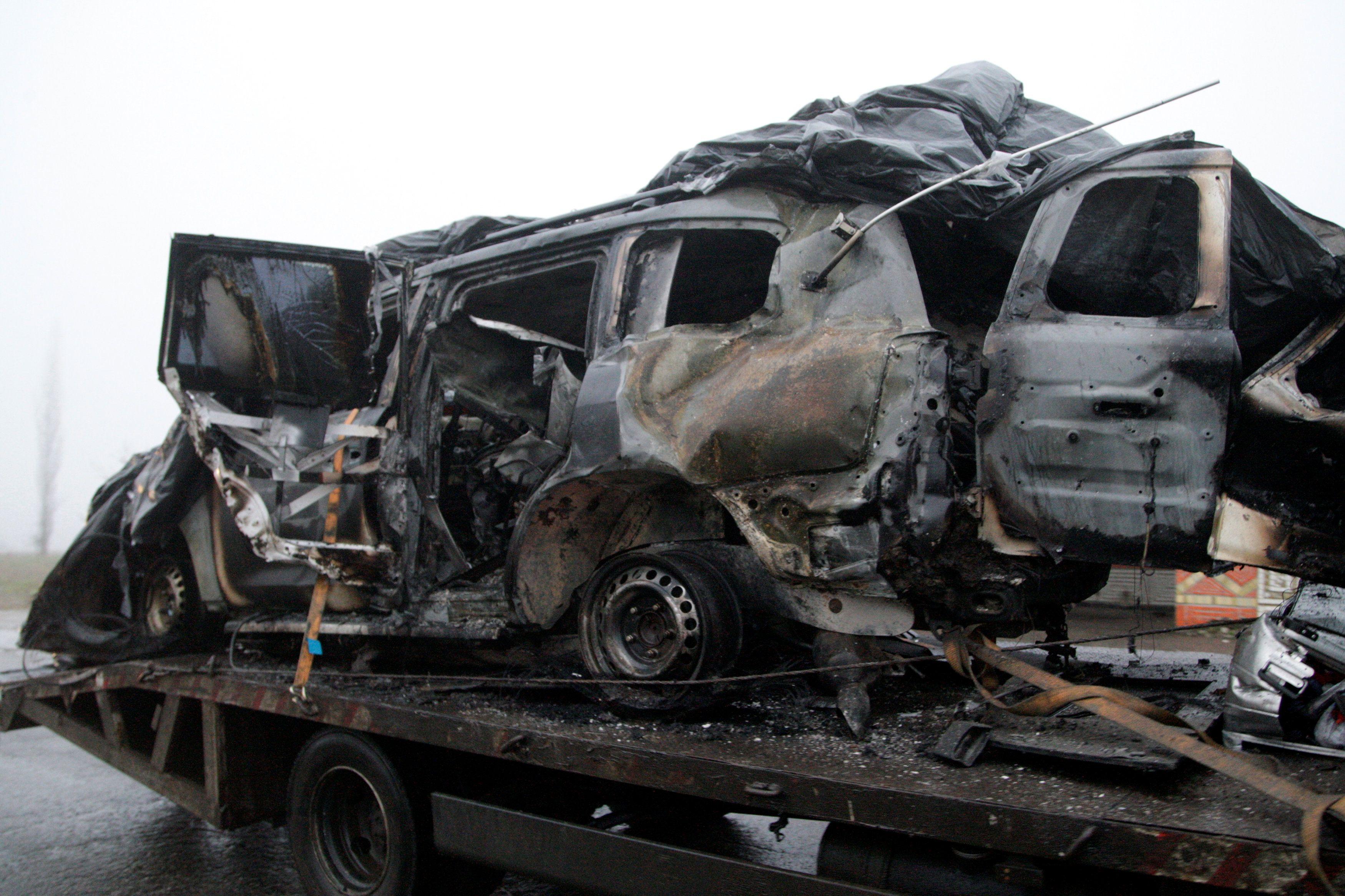 Взорванный автомобиль ОБСЕ