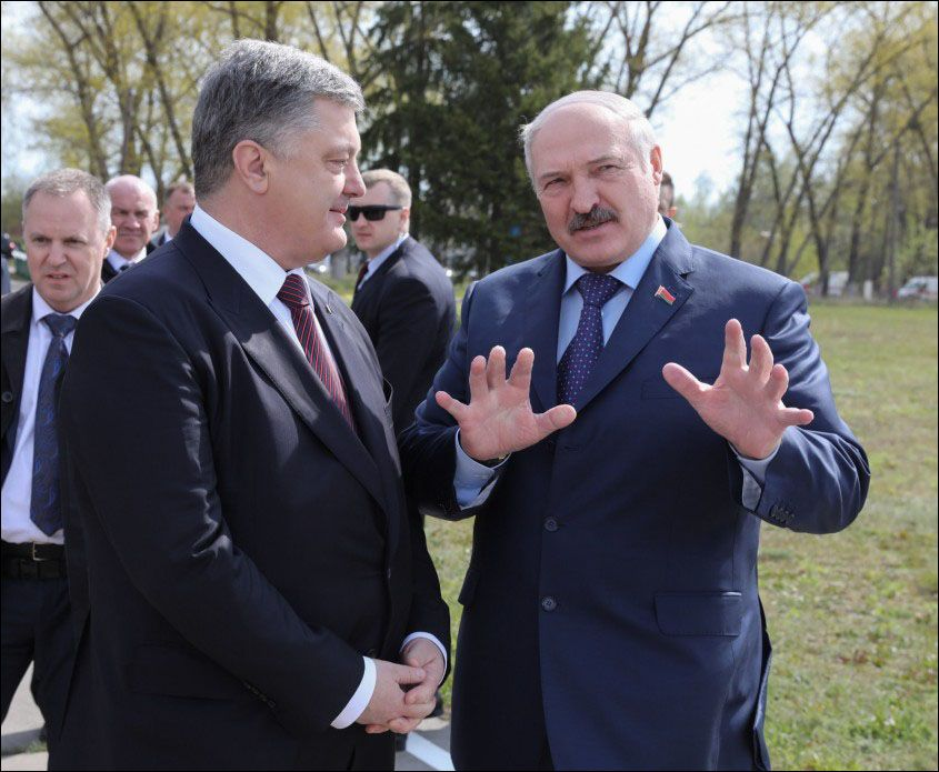 Петр Порошенко и Александр Лукашенко.