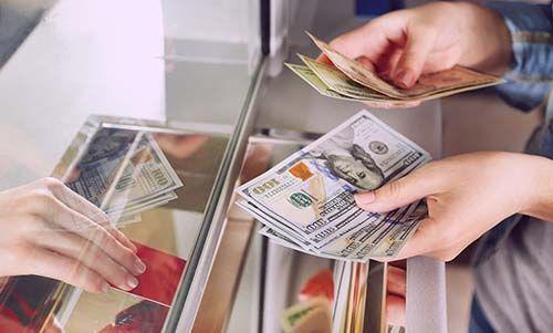 НБУ на 23 копейки повысил курс доллара к гривне