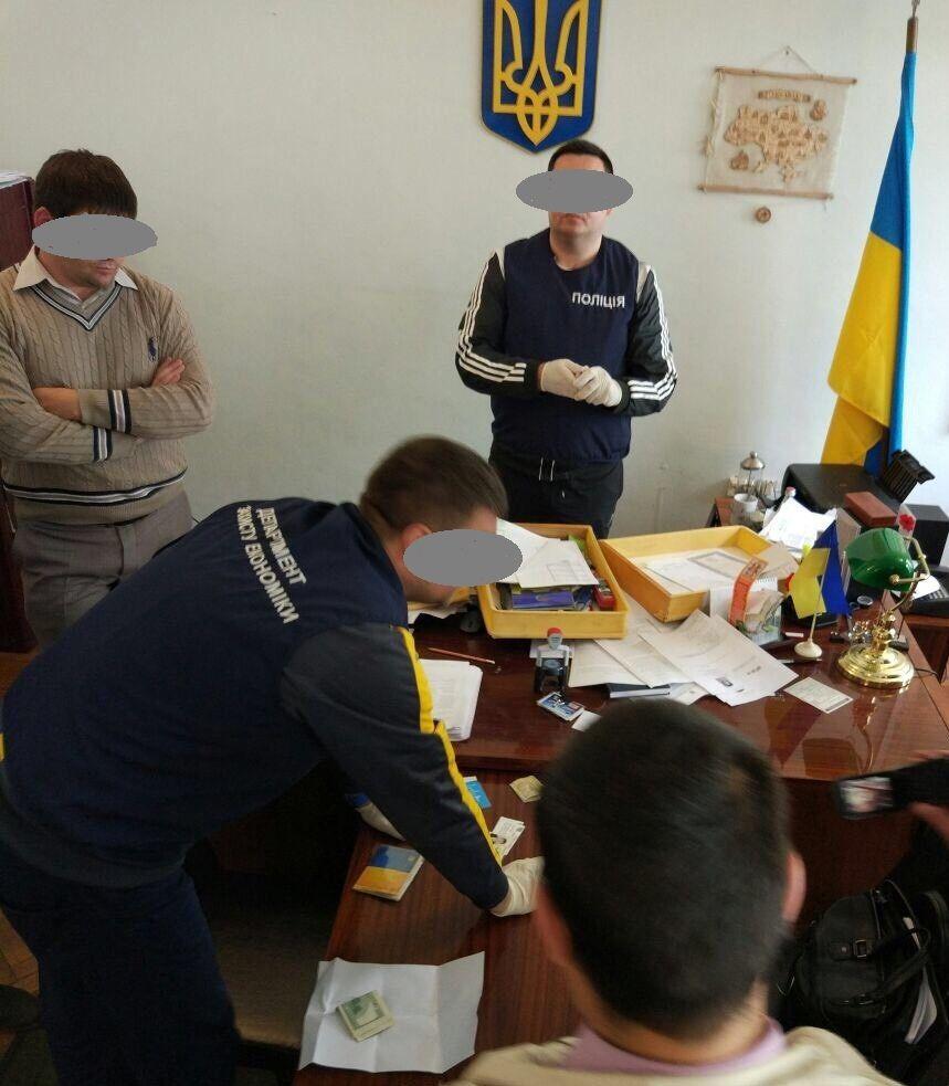 В Одесской области на взятке погорел глава РГА.