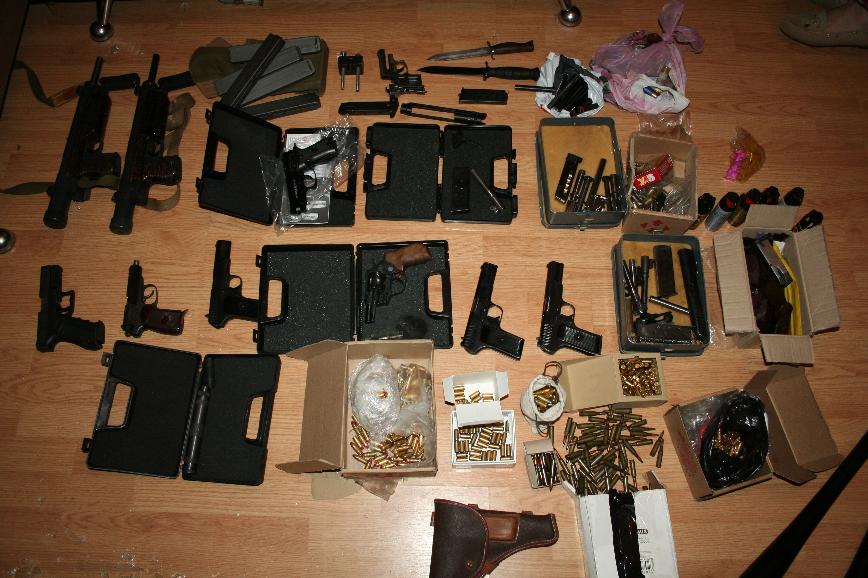 В Харькове накрыли мощную сеть по изготовлению и сбыту оружия, опубликованы фото и видео