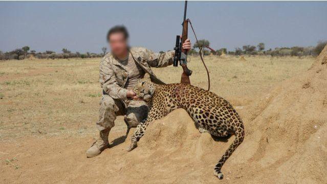 Дипломат увлекался охотой, любил фотографироваться с оружием.