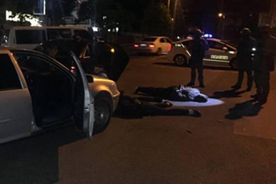 В Кропивницком задержали 13 вооруженных человек