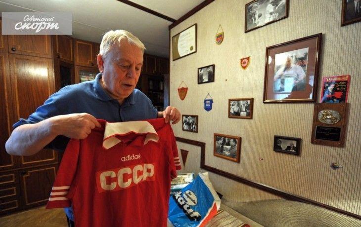 Владимир Перетурин с майкой сборной СССР