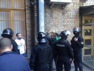 Задержание активистов.