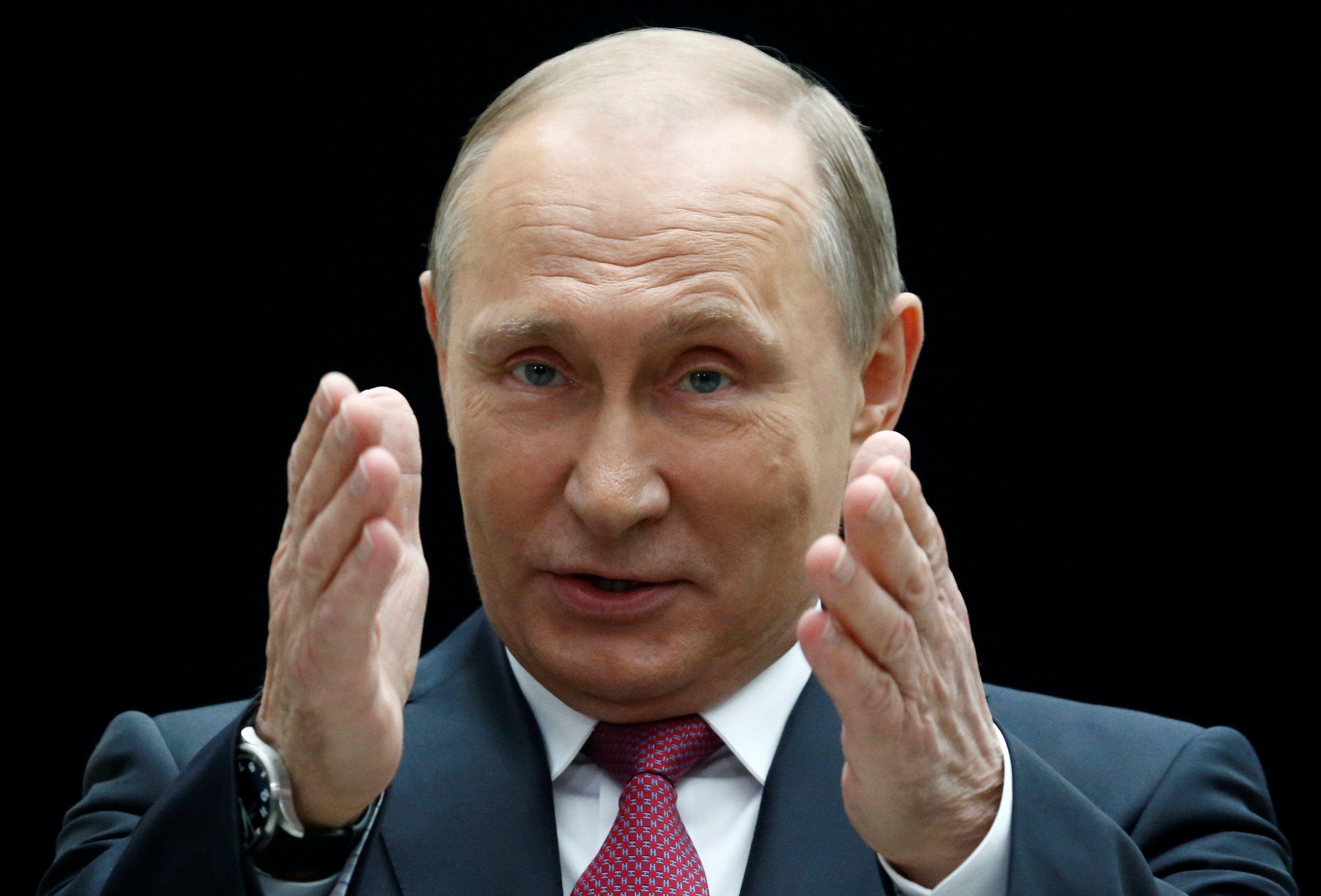 Путин ждет украинских военных в Крыму
