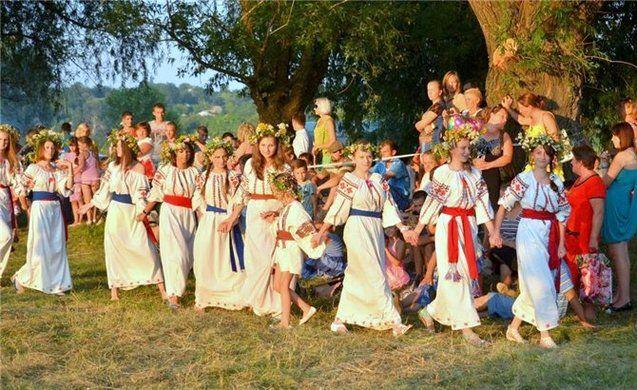 Слов'яни — люди які живуть у Праві, відають Праву, та славлять Праву