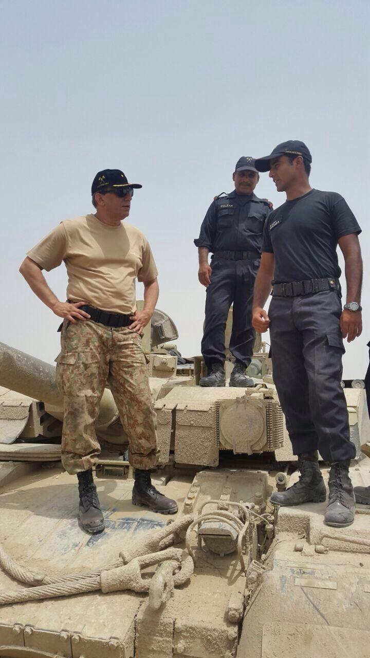 """Украинский танк БМ """"Оплот"""""""