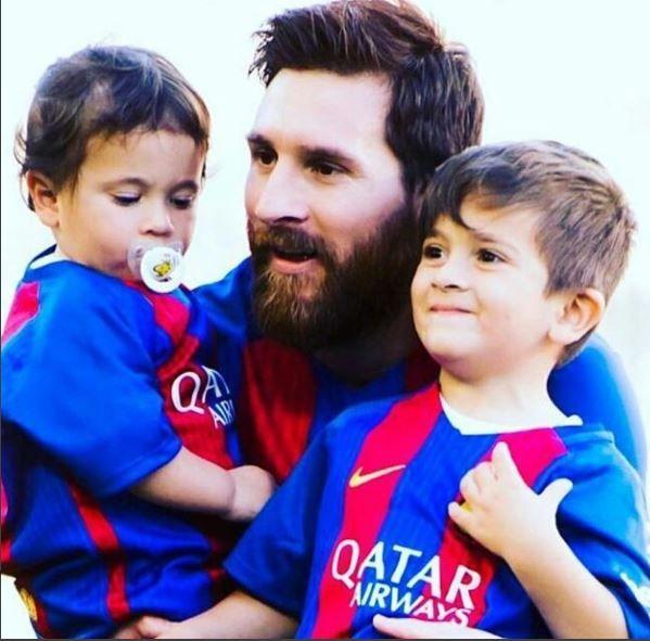 Лионель Месси с детьми