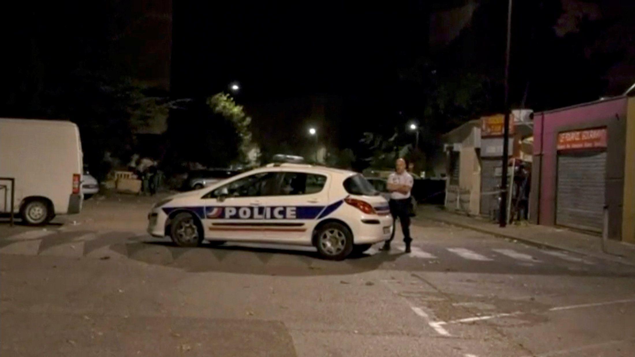Французская полиция, иллюстрация.