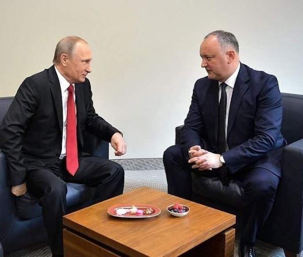 Путин, Додон