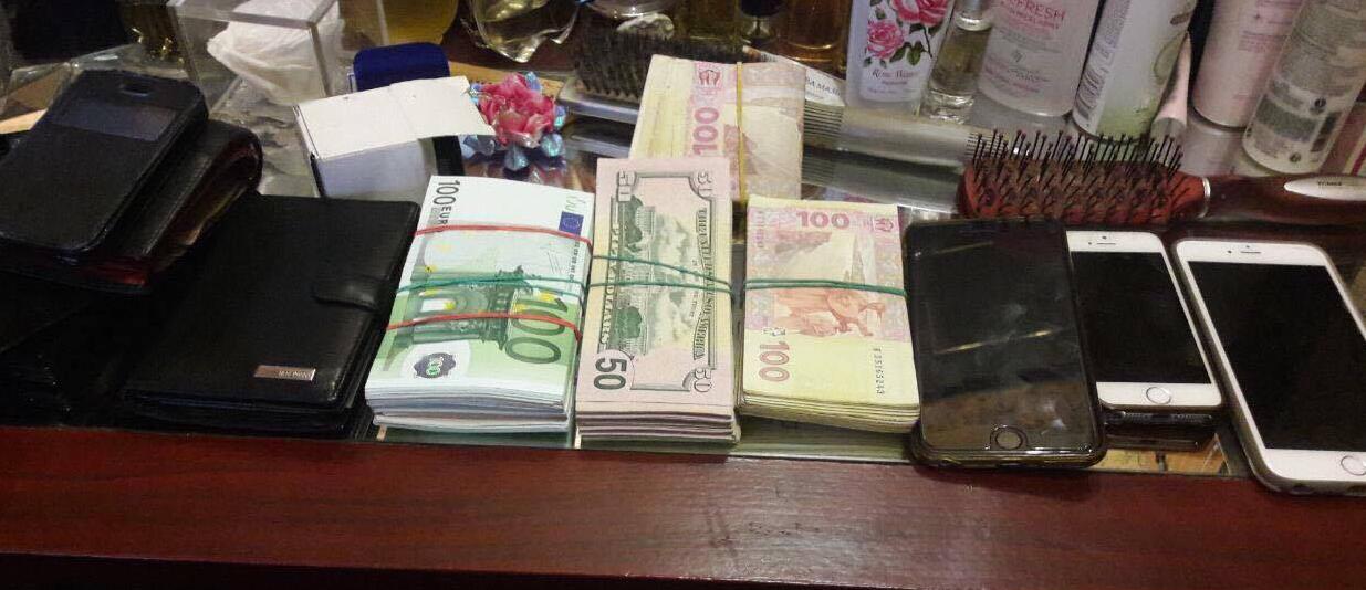 Найденные у злоумышленников деньги и вещи