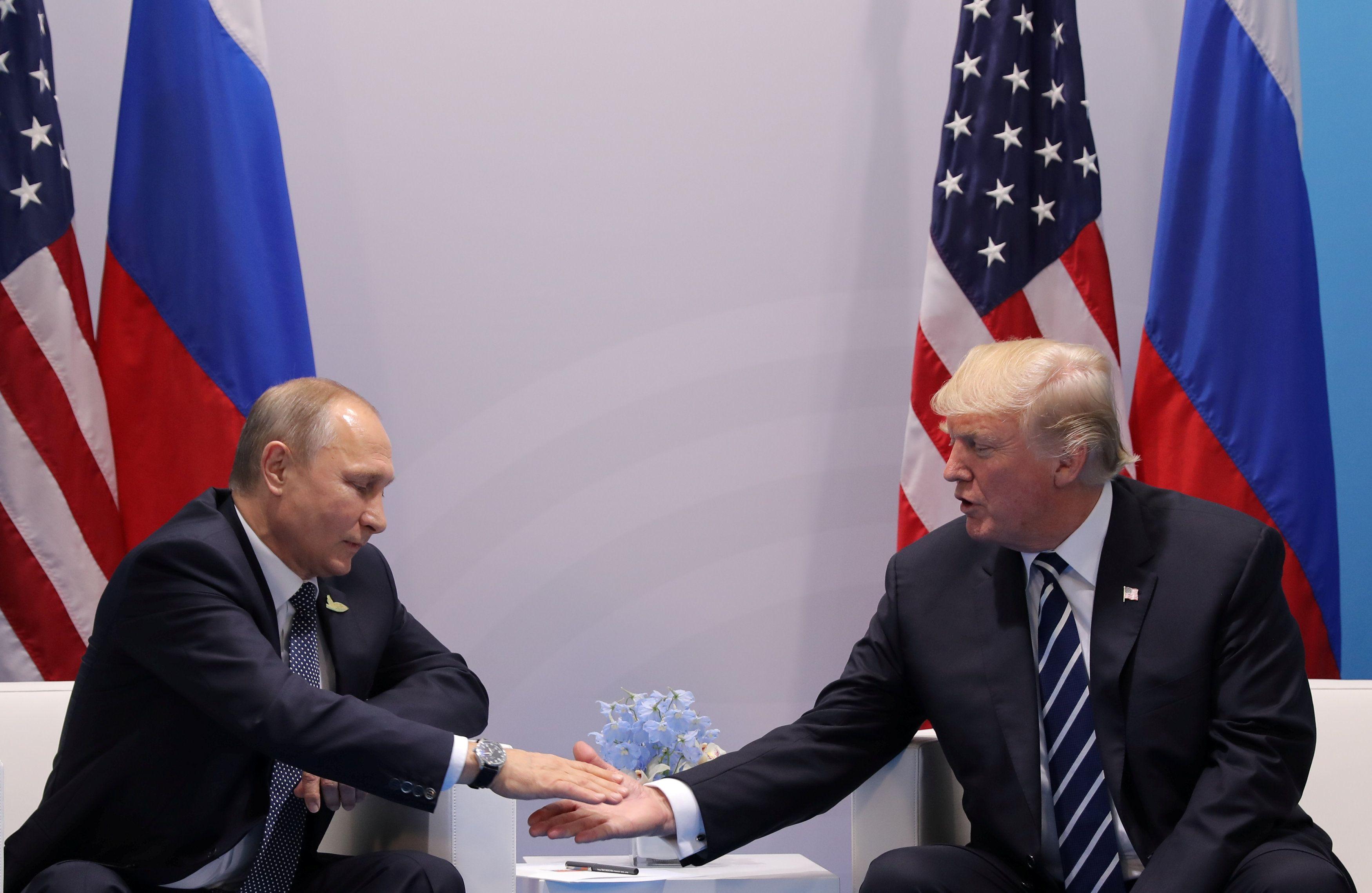 Советник президента США сообщил, что встреча Дональда Трампа с Владимиром Путиным