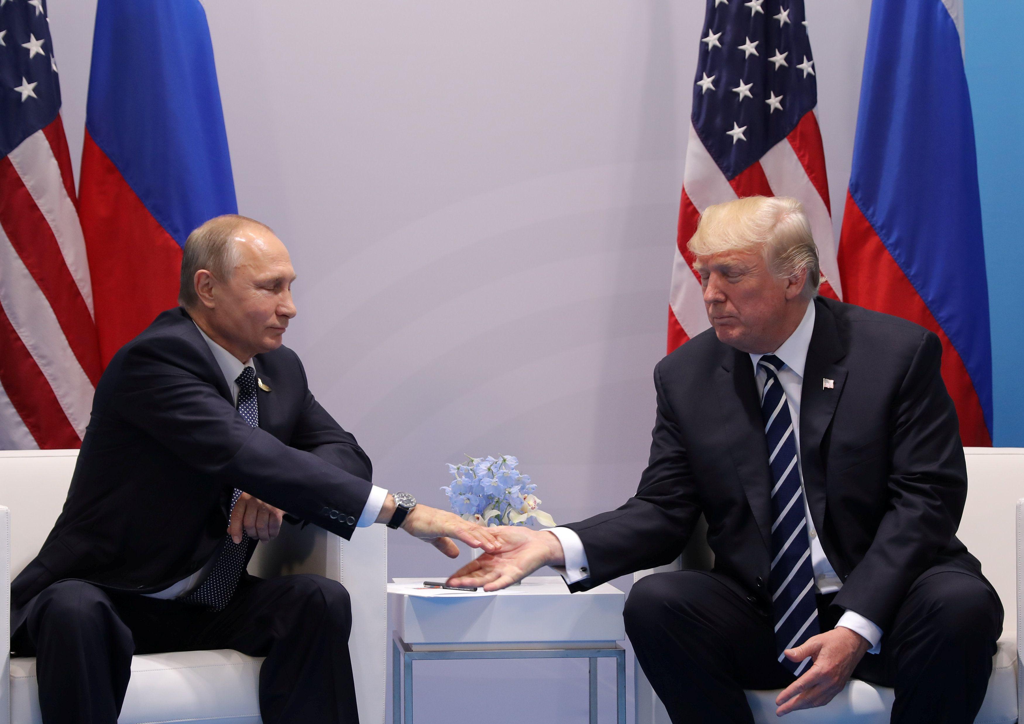 Эксперт полагает, что главная цель встречи Дональда Трампа и Владимира Путина — дать президенту РФ шанс изменить поведение из-за санкций