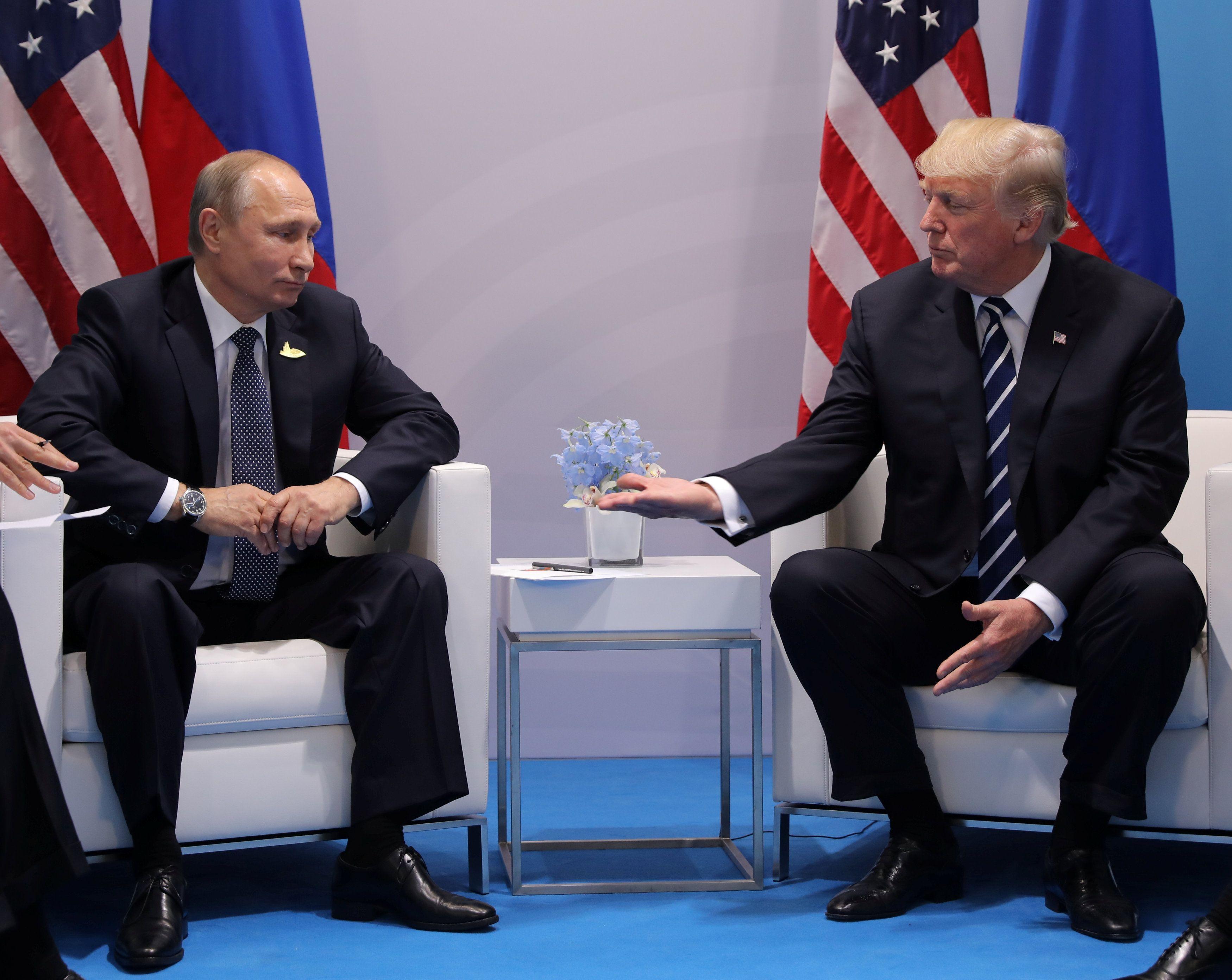 После встречи с Владимиром Путиным Дональду Трампу придется резко усилить антироссийскую риторику и действия, полагает эксперт