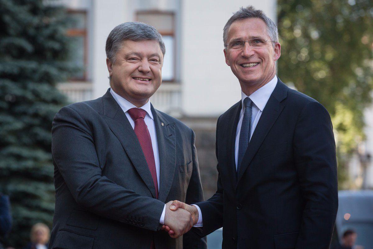 Йенс Столтенберг и Петр порошенко.