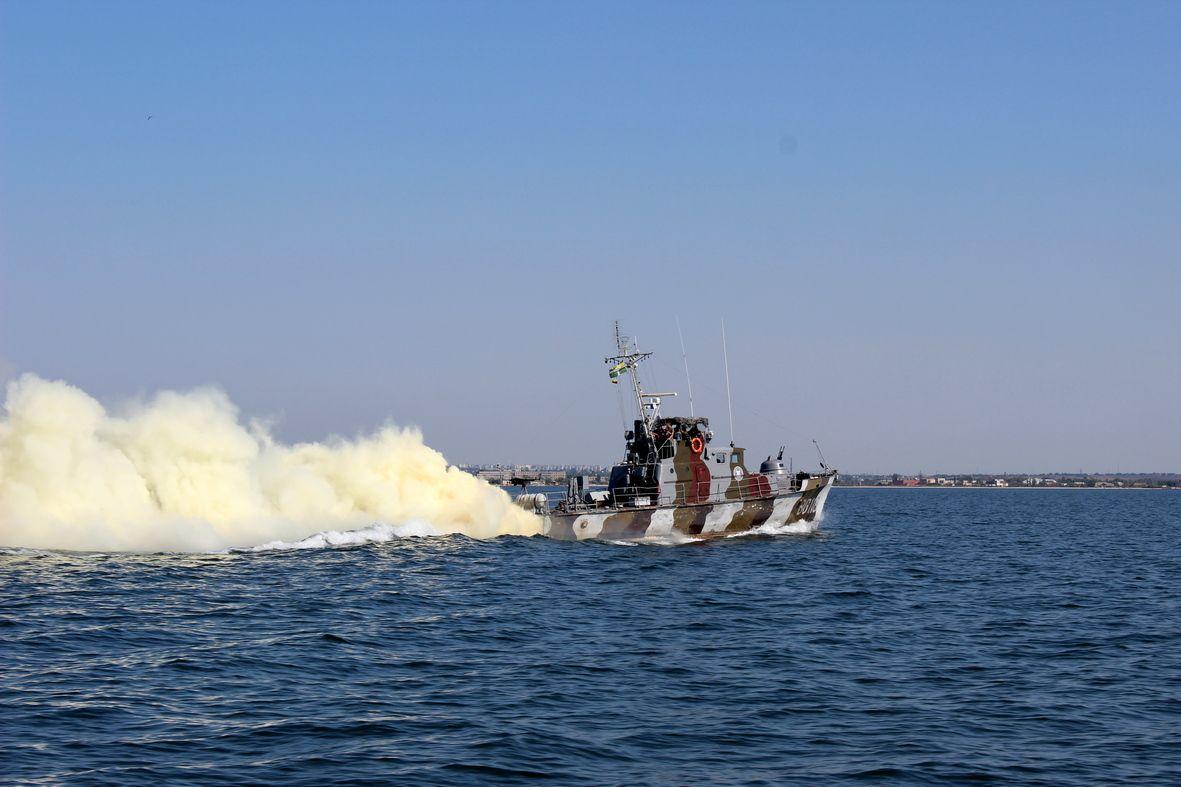 В Азовском море пограничники провели учения